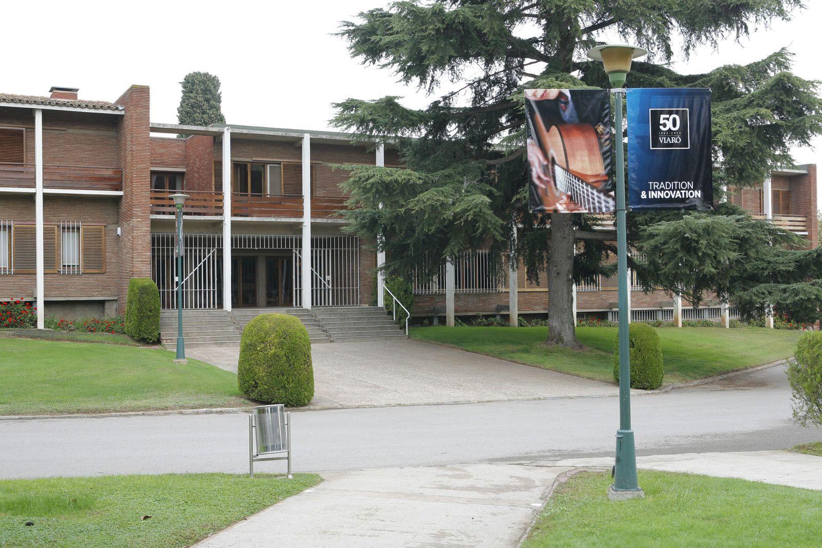 Viaró Global School